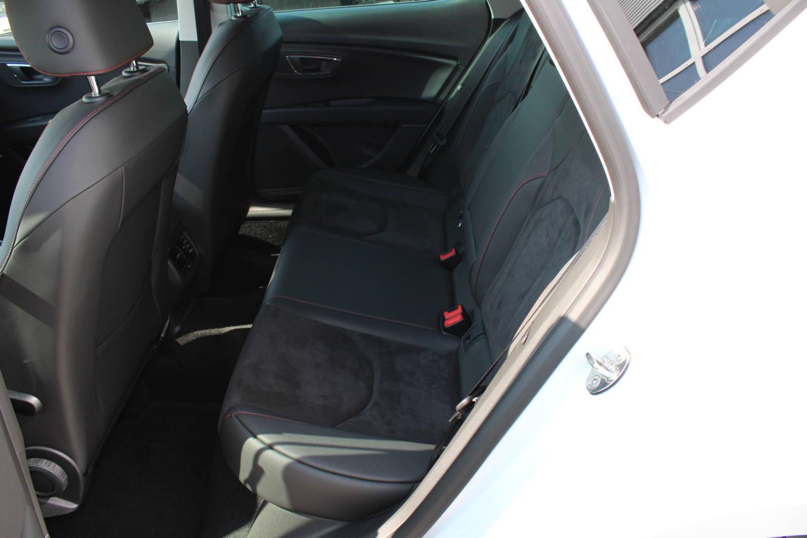 Seat Leon FR Limousine 1.8 TSI DSG / Deutsche Neufahrzeuge und EU-Neufahrzeuge – Aha! Fahrzeughandel GmbH in Althengstett