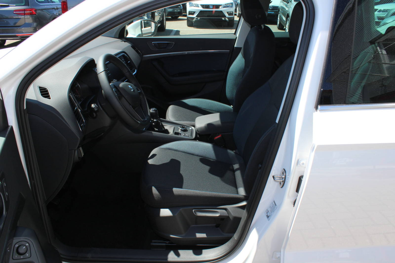 Seat Ateca Style 2.0 TDI 6-Gang 4 x 4 / Deutsche Neufahrzeuge und EU-Neufahrzeuge – Aha! Fahrzeughandel GmbH in Althengstett
