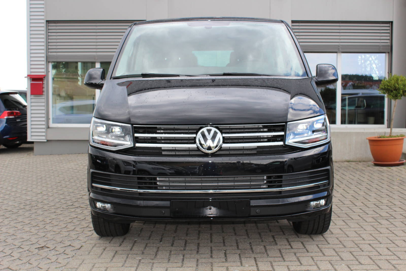 VW T6 Multivan Highline 2.0 TDI DSG / Deutsche Neufahrzeuge und EU-Neufahrzeuge – Aha! Fahrzeughandel GmbH in Althengstett