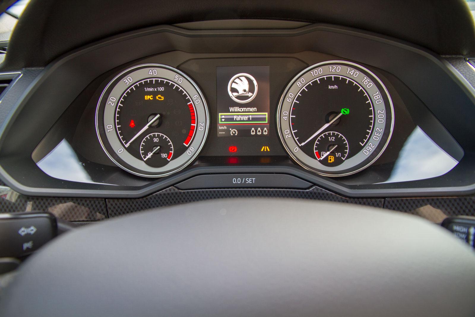 Skoda Superb Kombi Sportline 2.0 TSI DSG 4 x 4 / Deutsche Neufahrzeuge und EU-Neufahrzeuge – Aha! Fahrzeughandel GmbH in Althengstett