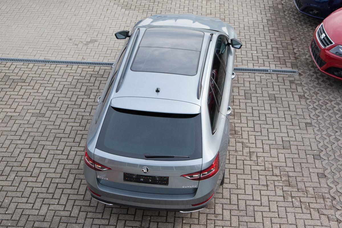 Skoda Superb Kombi Sportline 2.0 TSI DSG / Deutsche Neufahrzeuge und EU-Neufahrzeuge – Aha! Fahrzeughandel GmbH in Althengstett