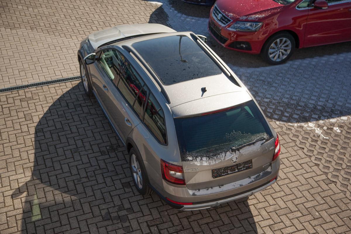 Skoda Octavia Kombi Scout 1.8 TSI DSG 4x4 / Deutsche Neufahrzeuge und EU-Neufahrzeuge – Aha! Fahrzeughandel GmbH in Althengstett